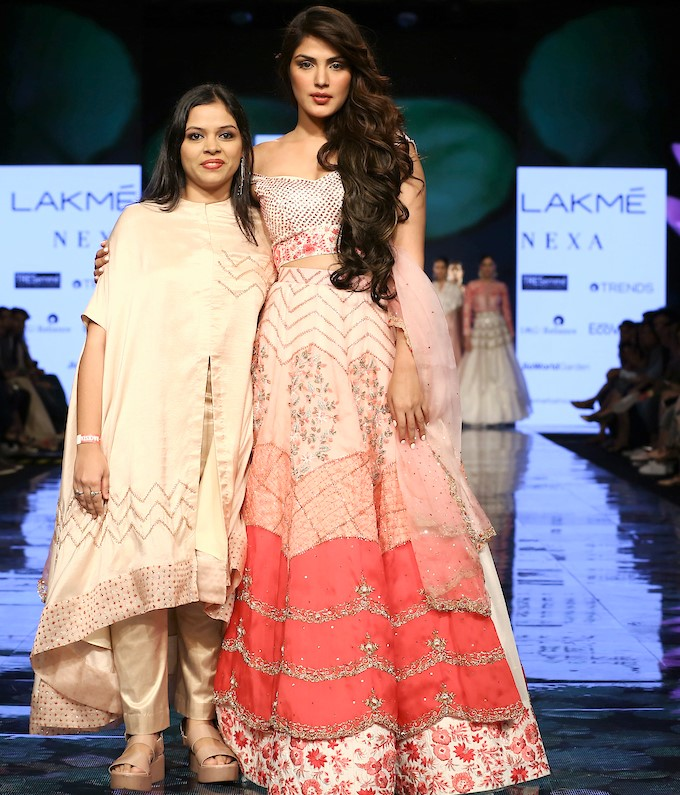 Bollywood Celebrity Gossip Fashion And Style For Both Men And Women