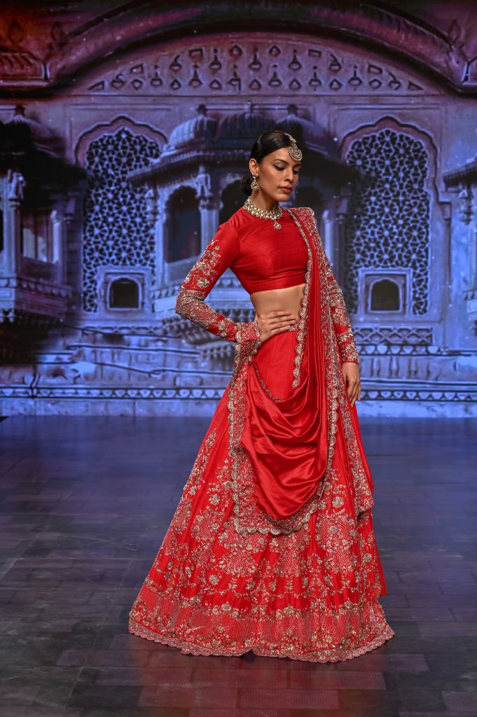 JAYANTI REDDY's Collection at The Lakme Fashion Week Winter/Festive 2020 at St. Regis in Mumbai, India on 24th October 2020  Photo :Vaqaas Mansuri / FS Images / Lakme Fashion Week / IMG Reliance