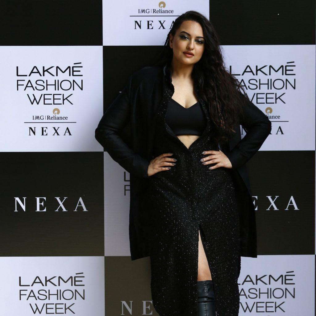 Showstopper Sonakshi Sinha for NEXA presents Kunal Rawal at LFW 2020