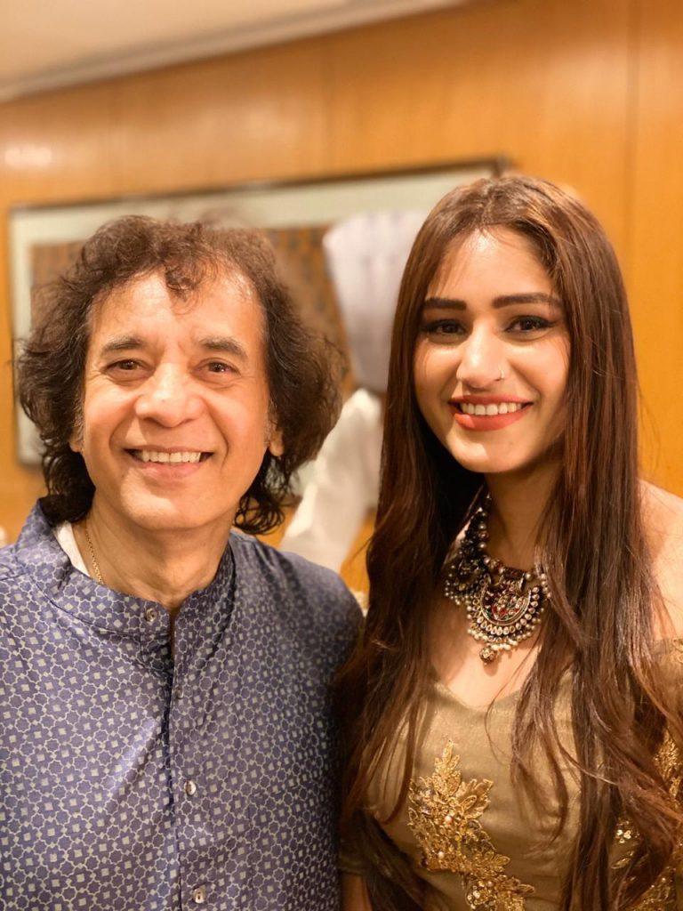 Singer Pratibha Singh Baghel with Ustad Zakir Hussain,