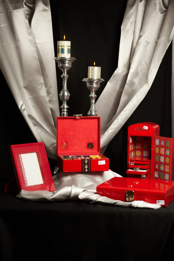 Valentine collection available at IZHAAR (3)