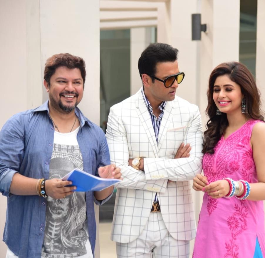 Ram Kamal Mukherjee with Rohit Bose Roy and Ritabhari Chakraborty