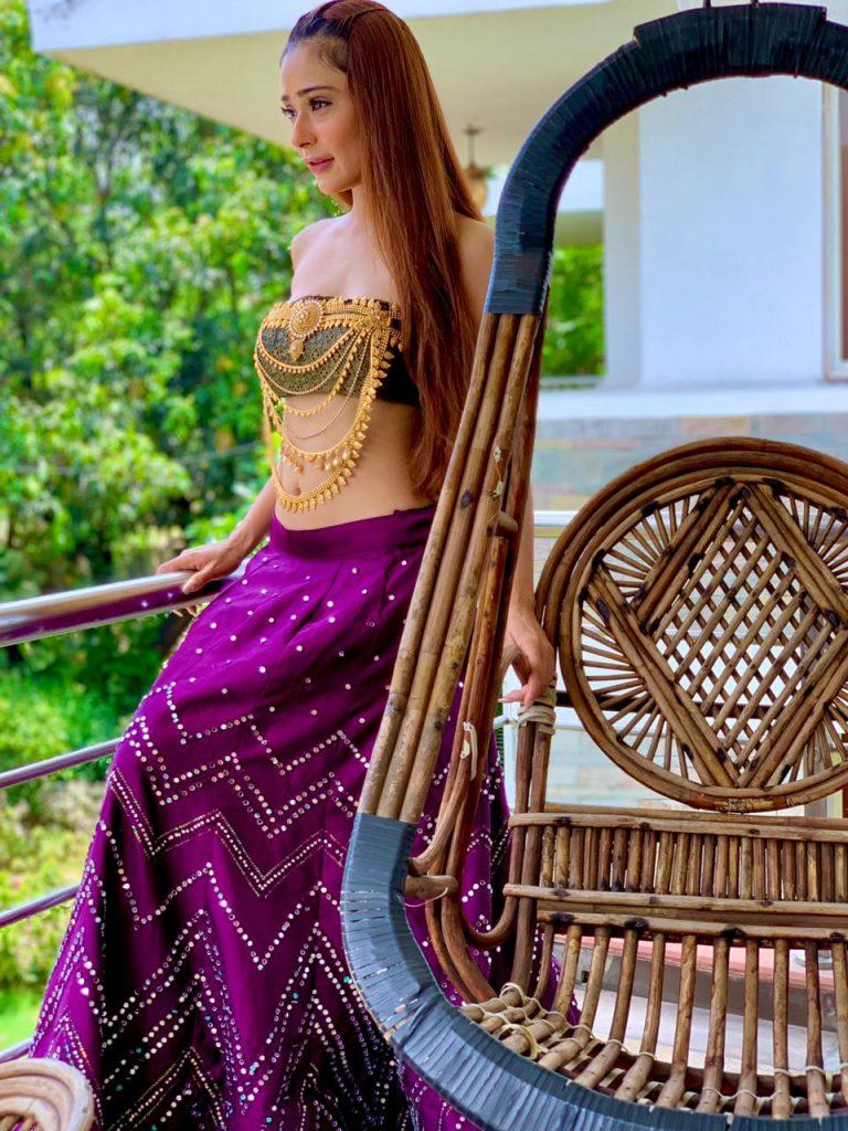 Sara Khan Santoshi Maa