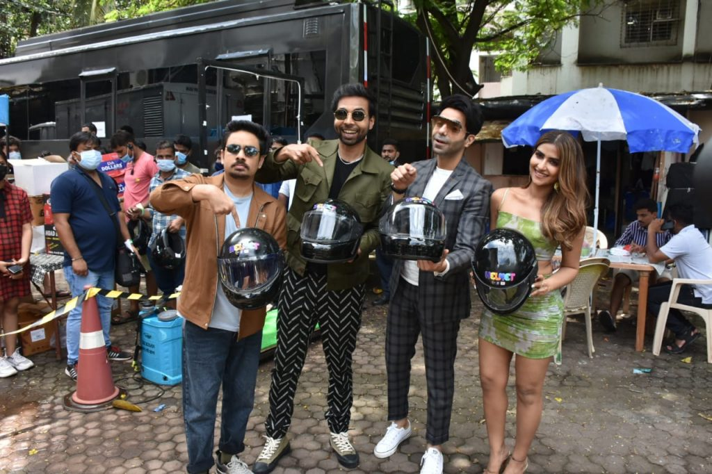 Aparshakti Khurrana distributes Helmet to the Paparazzi